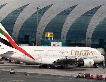 Aerolínea cubrirá los gastos médicos de pasajeros que se contagien de COVID durante su vuelo