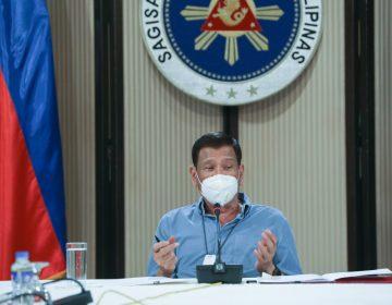 El presidente de Filipinas recomienda desinfectar cubrebocas con gasolina, sustancia que puede ser peligrosa