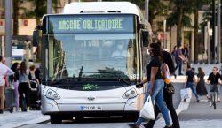 Chofer de autobús sufre muerte cerebral tras ser agredido por…