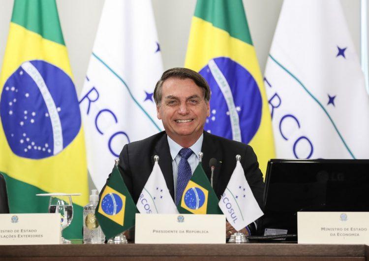 Jair Bolsonaro anuncia que tiene COVID-19