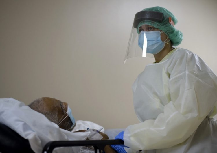 """La OMS insta a gobiernos a """"despertar"""" y a """"librar combate"""" contra el coronavirus"""