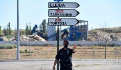 España reconfina a 200,000 personas en Cataluña al tiempo que…
