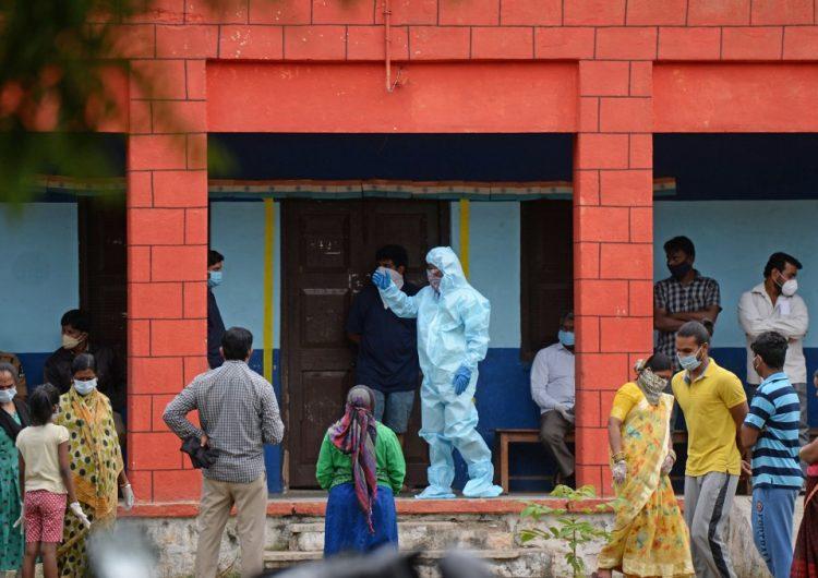 Más de 130 millones de indios vuelven a ser confinados por brote de coronavirus