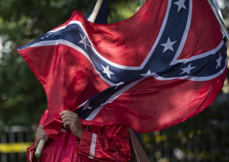 El Pentágono prohíbe la bandera confederada en bases militares