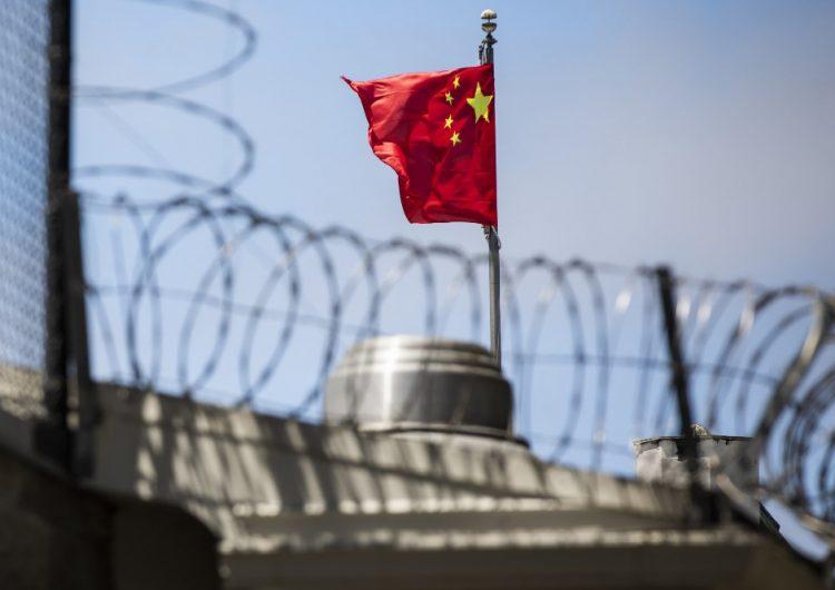 China cierra un consulado de EU y se alista para evacuar misión en Houston