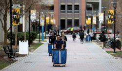 EU negará visas a estudiantes extranjeros que tomen clases por…