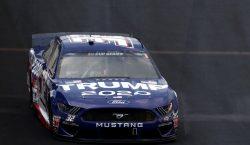 """Choca el automóvil """"Trump 2020"""" de la NASCAR durante su…"""
