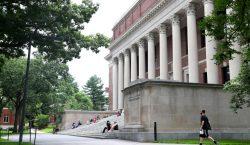 Gobierno de EU desiste de retirar visas a estudiantes universitarios…