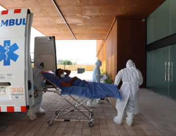 Saturan enfermos COVID hospitales, abren Centro de Convenciones siglo 21