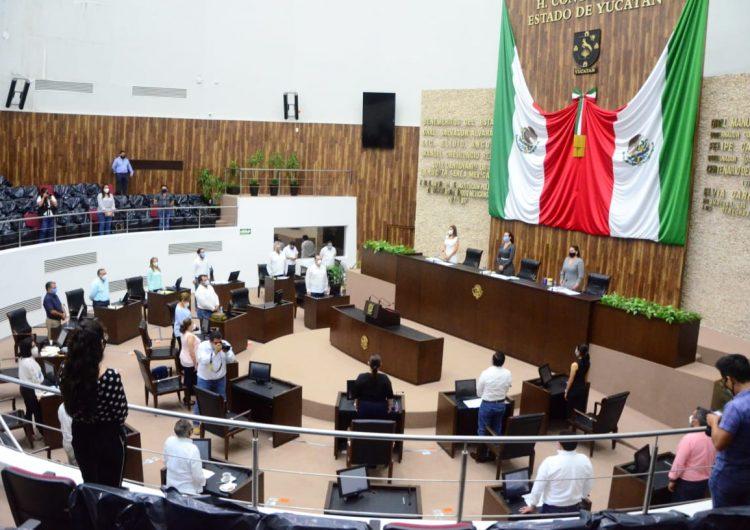 Enferman 8 empleados del Congreso yucateco