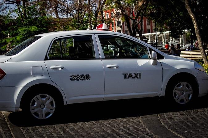 Taxistas en la mira de la Guardia Sanitaria: AUGTEA