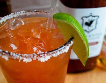 """CoronaChela"", la cerveza de la pandemia creada en Tlahuapan, Puebla"