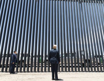 Trump presume avances del muro fronterizo a días de la visita de López Obrador a EU