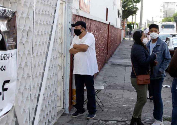El cobro de cuotas escolares, problema incontrolable, admite Miguel Barbosa Huerta