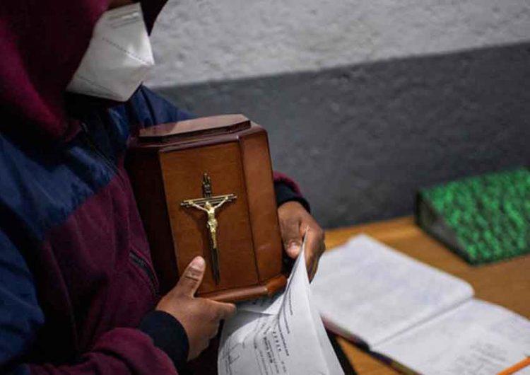 Llegarán a Puebla 103 urnas de migrantes que murieron por Covid-19