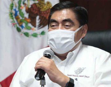 """Miguel Barbosa pide a los políticos poblanos que no se """"cuelguen"""" de la pandemia"""
