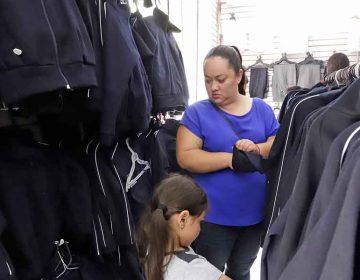 Preparan licitación para más de un millón de uniformes gratuitos en Puebla