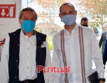 Puebla entrega a López Gatell Plan Estatal de Prevención y Control por Covid