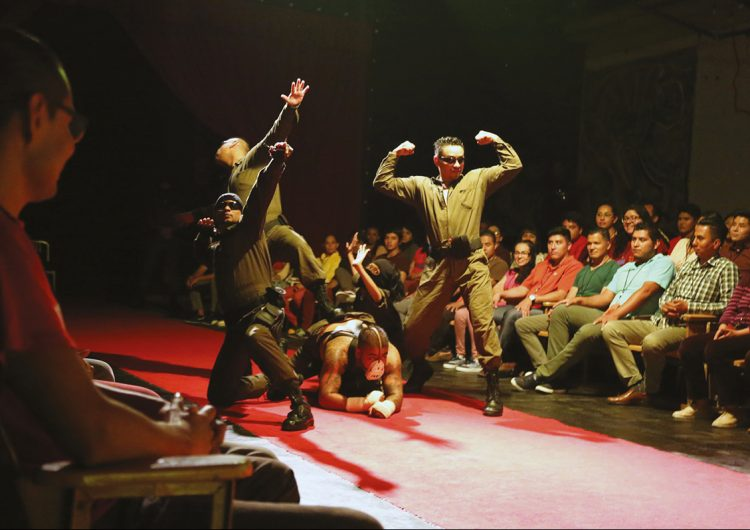 Actores reclusos de Santa Martha Acatitla hallan la libertad en el teatro