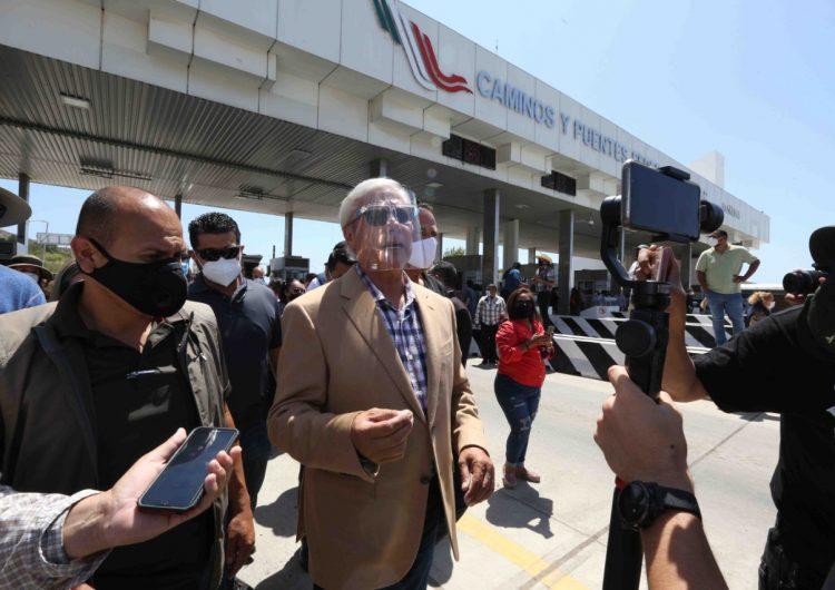 Pide calma Bonilla a manifestantes de caseta de cuotas tras denuncia penal en su contra