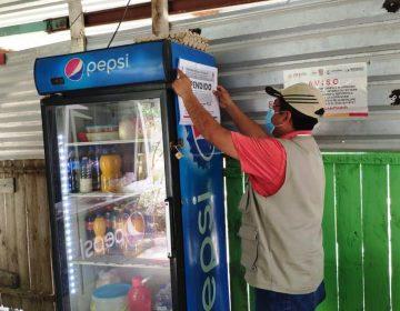 Van vs venta clandestina de alcohol en Campeche