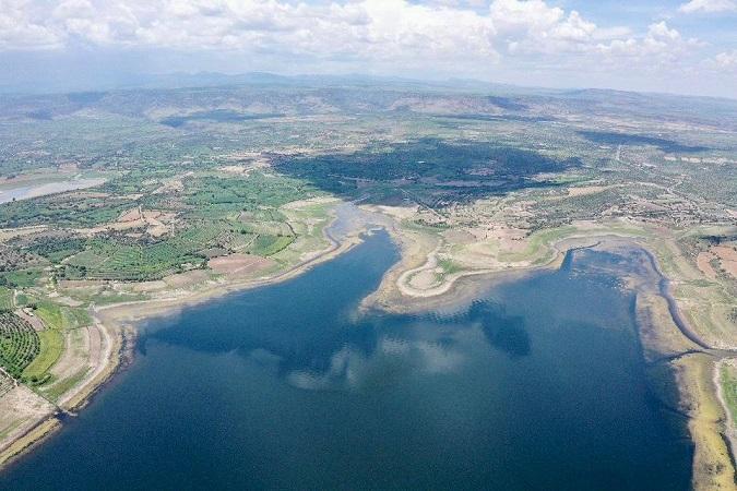 Presenta gobierno estatal proyecto para llevar agua de la presa Calles a los municipios