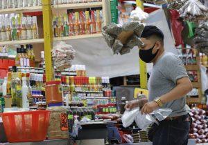 Reabren locales de frutas y verduras en mercado San Benito, limitan horario