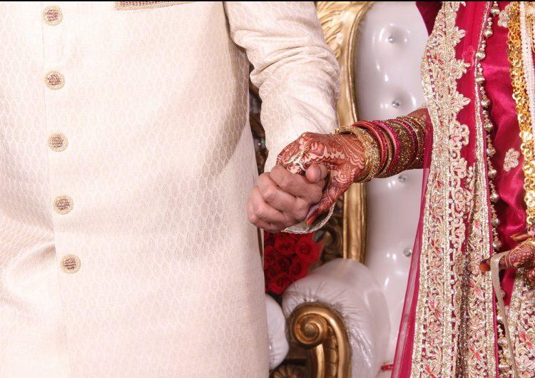 Novio muere dos días después de su boda a causa del COVID-19 en India