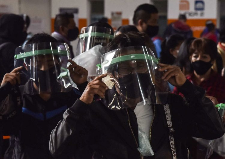 México supera a España en número de muertos por COVID-19, suma 28,510 decesos