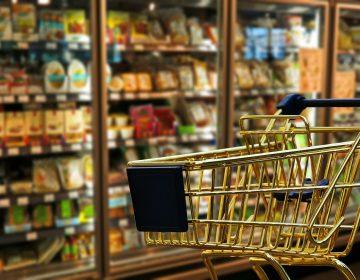 Prohíben a supermercados vender no esenciales después de las 18:00 horas