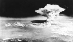 Japón conmemora los 75 años de la primera bomba atómica…