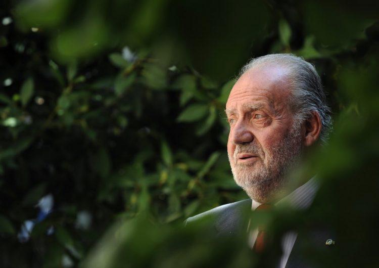 El rey emérito Juan Carlos I deja España en medio de una investigación por corrupción