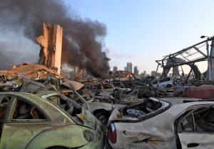 """Duelo en Beirut: lo que se sabe de las explosiones y la """"situación apocalíptica"""" que dejaron"""
