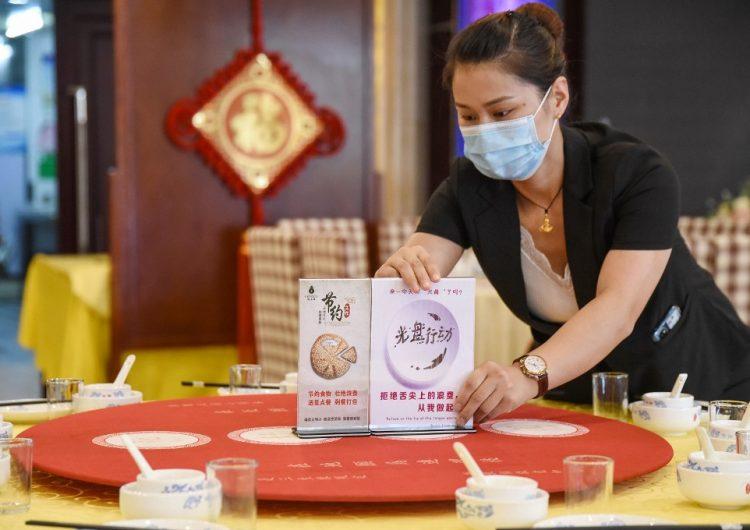 China detecta coronavirus en alitas de pollo y camarones importados de Brasil y Ecuador