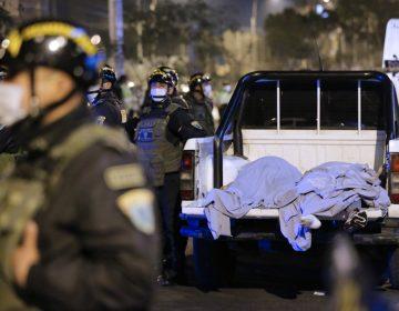 Perú: mueren al menos 13 personas por asfixia durante operativo policial en una discoteca