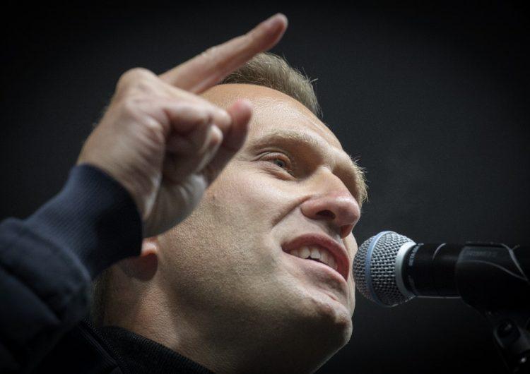 Alemania contradice a Rusia: opositor Navalni tiene signos de envenenamiento