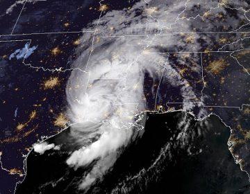 Evacuados, inundaciones y marejadas: el huracán Laura azota las costas de Luisiana y Texas