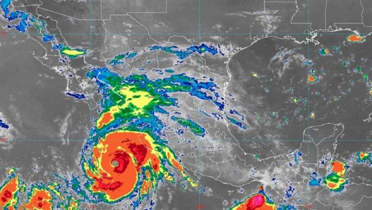 Monitorea Protección Civil de BC el paso del huracán Genevieve