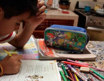 Al ser clases virtuales, las escuelas deberían regresar las cuotas escolares, afirma diputado