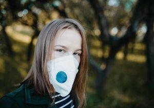 ¿Cubrebocas con válvula de respiración? No son recomendables