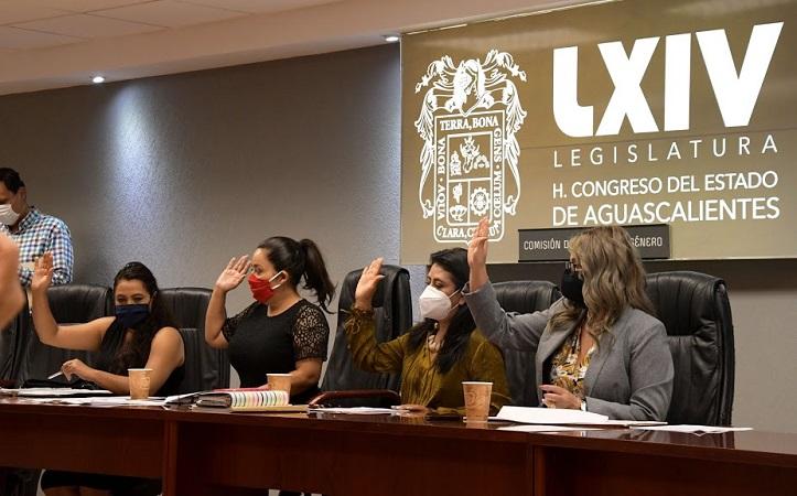 Aprueban en comisión del Congreso Estatal dictamen a favor de la paridad de género