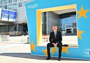 La 5G de Huawei debe abordarla la UE: Andrej Babis
