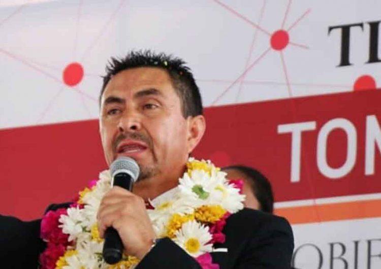 Edil de Tlatlauquitepec realiza fiesta Covid-19