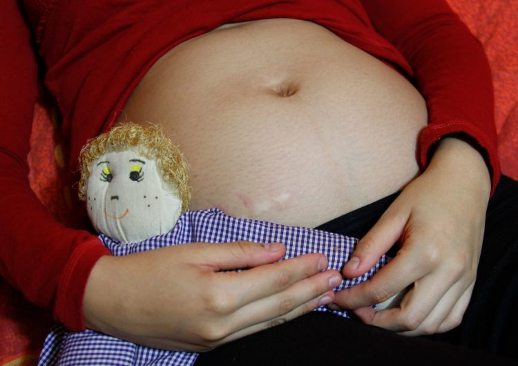 México gasta 6,000 millones de pesos al año en atender embarazos de adolescentes