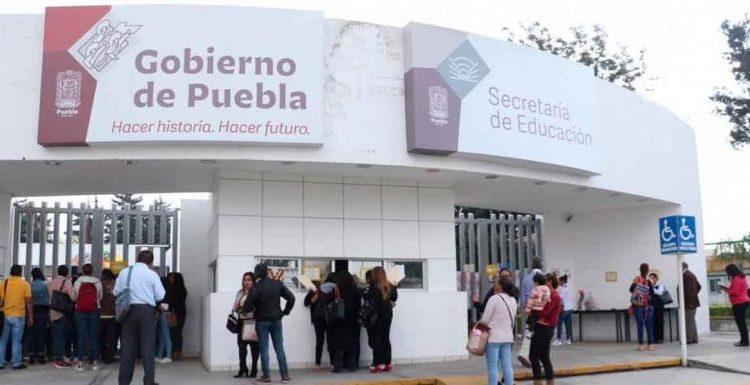 Irregular asignación de plazas en UPN mantiene sin clases a estudiantes en Puebla