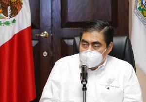 Miguel Barbosa llama a ediles a evitar enojo social con sanciones por no usar cubrebocas
