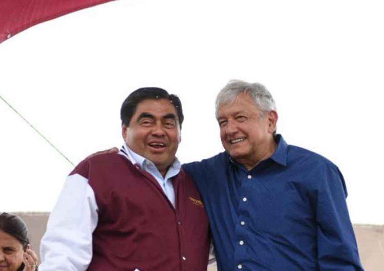 Miguel Barbosa respalda a AMLO; si hay pruebas contra su hermano que denuncien