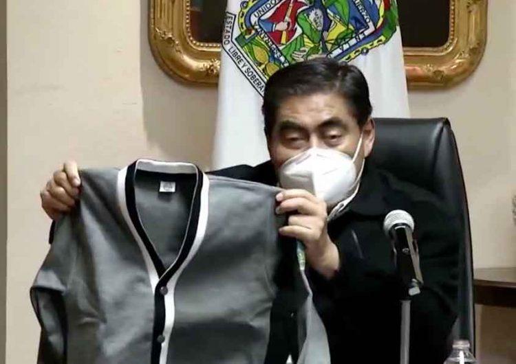 Para clases a distancia uniformes innecesarios padres de familia en Puebla