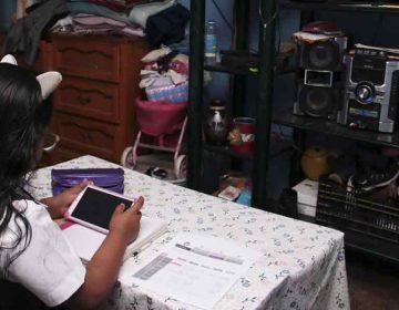Pide gobernador de Puebla disciplina a papás y maestros durante clases a distancia
