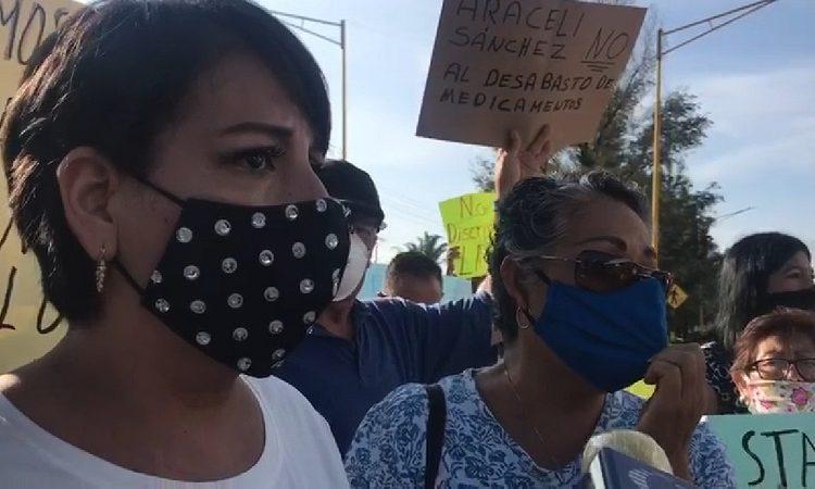 """""""Si no nos morimos de Covid, será del cáncer"""", protestan contra ISSSTE Aguascalientes"""
